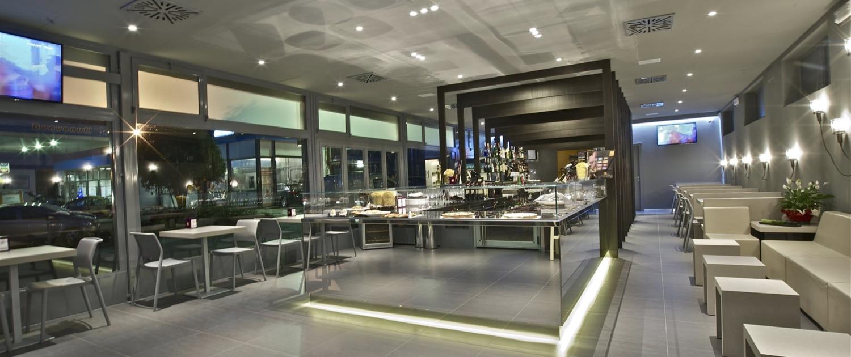 Horeca arredi e attrezzature per grandi cucine e alberghi for Arredi per alberghi e hotel